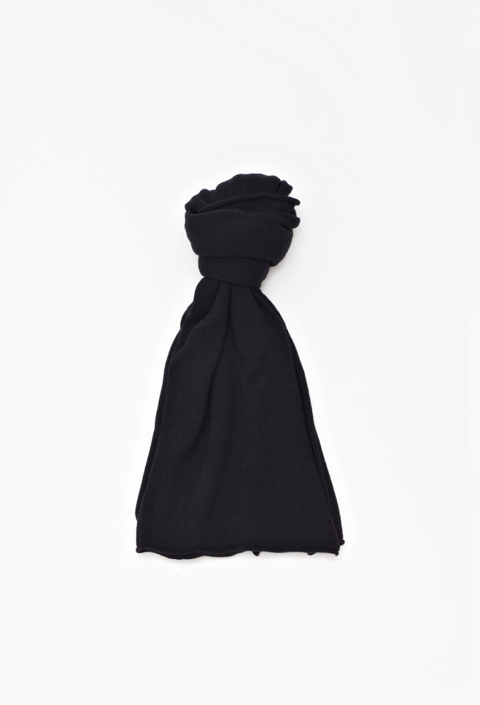 Kashmere_scarf_black_F_M_