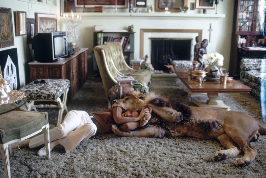 pet-lion-neil-film-michael-rougier-6